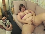 BBWHippychick gets horny in camera