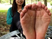 Wiggling toes for all the horny bros