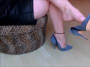 Brenda Zaro dangling blue suede pumps