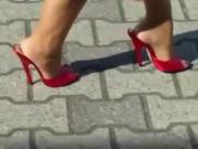 Super sexy peeptoe pumps getting followed