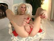 Gitta Blond licks her own sexy big feet
