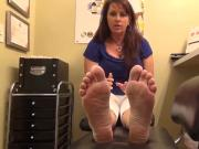 Sexy Older Woman With Beautiful Peticure Gets Her Feet Examined And Played With By Horny Man