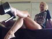 Princess Lenna Cox is an incredibly hot French foot tease
