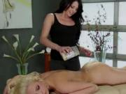 Slutty lesbians Megan and tiffany makes love and fingerfucks