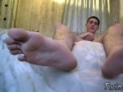 Skater male feet gay A Toe Sucking Solo Boy!