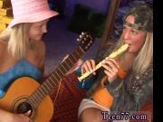 Kinky lesbian threesome hd Two tastey ash-blonde lesbians