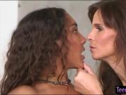 Syren Demer and Calypsa Mica make out