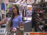 Pawnshop spex amateur sucking cock out the back