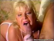 Blonde teaser skillful blowjob