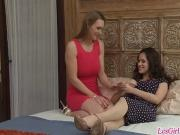 Horny lesbians Tanya Tate and Vanessa Veracruz